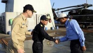 Các viên chức hải quân Mỹ, Nhật và Ấn gặp nhau trong khuôn khổ đối thoại hợp tác an ninh năm 2011 (AFP)