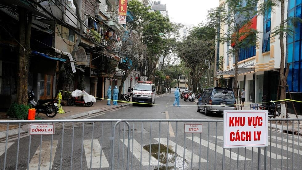 Một đoạn phố Trúc Bạch, Hà Nội, nơi cư trú của ca nhiễm virus corona thứ 17 ở Việt Nam, bị cách ly  từ đêm 06/03/2020.