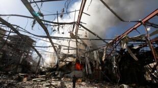 Un quartier de Sanaa a été bombardé au Yémen, le 10 octobre 2016.
