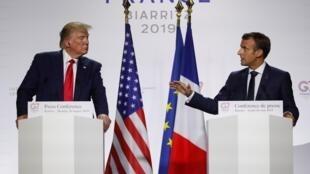 Les présidents américain et français Donald Trump et Emmanuel Macron lors de leur conférence de presse commune à la fin du sommet du G7 à Biarritz, le lundi 26 août 2019.