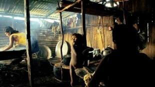 Foto de Emiliano Capozoli, vencedora de concurso na Inglaterra, retrata a dura realidade dos índios da tribo Hupda, na Amazônia.