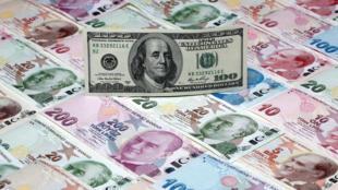 ارزش لیر ترکیه، به سرعت در حال سقوط در برابر دلار است.