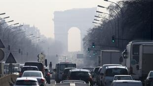 Paris during the pollution peak of March 2014