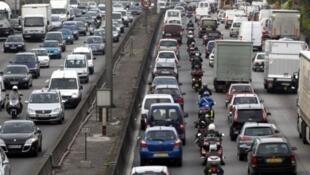 Trafic jam near Paris
