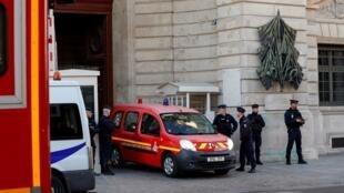 Следствием по делу о нападении в префектуре Парижа занялась антитеррористическая прокуратура