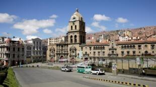 Une rue de La Paz au premier jour de la quarantaine instaurée par le gouvernement de la Bolivie, le 22 mars 2020.
