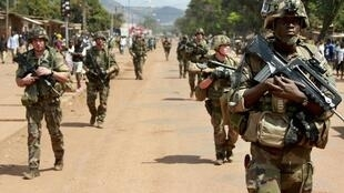 French soldiers on patrol in Bangui, 8th December 2013.