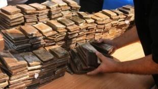 Moçambique, onde aumenta tráfico de heroíina, serve de corredor da droga para Europa