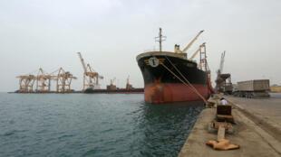 Le port de Hodeida, principal point d'entrée de l'aide humanitaire au Yémen.