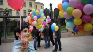 Un enfant autiste à Bucarest.