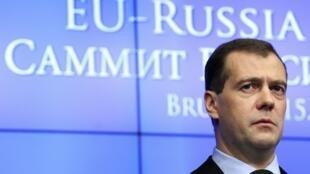 Дмитрий Медведев на пресс-конференции по окончании саммита в Брюсселе 15/12/2011
