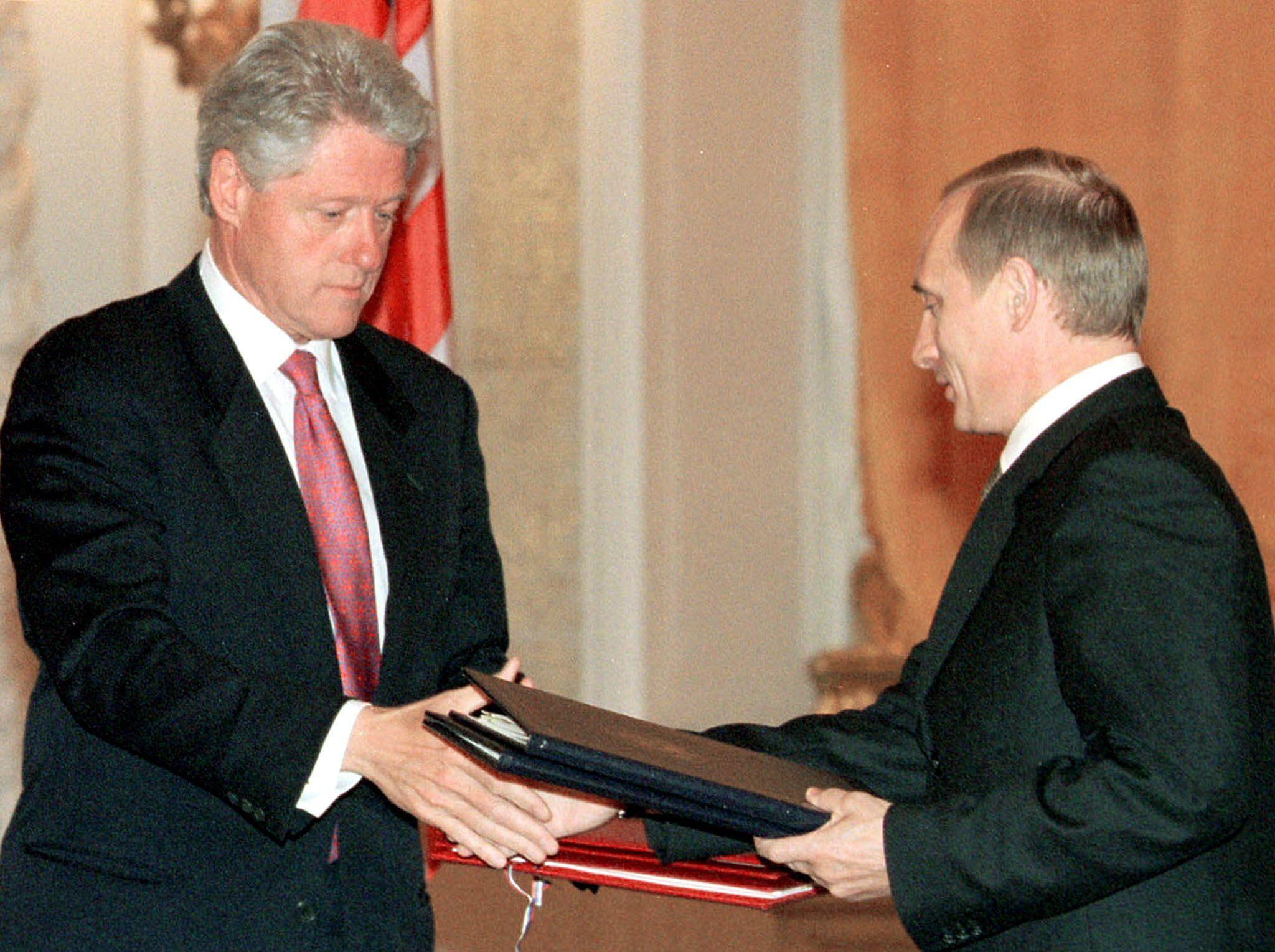 Билл Клинтон и Владимир Путин в Кремле 4 мюня 2000.