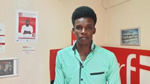 Le slameur I-slam au studio de RFI à Port-au-Prince.
