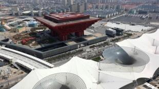 Le pavillon chinois de l'exposition de Shanghai domine tous les autres