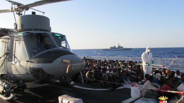 Ilhas italianas do Mar Mediterrâneao são uma das pricipais rotas de imigração.