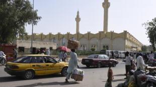 Scène de rue à N'Djamena, la capitale du Tchad, en mars 2015 (image d'illustration).