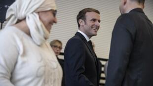 Le président Emmanuel Macron, lors d'une rencontre avec des associations à Mulhouse, le 18 février 2020.