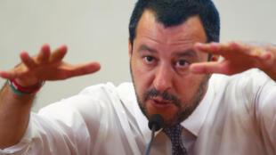 Инициатор закона 132 — глава МВД и вице-премьер Италии Маттео Сальвини