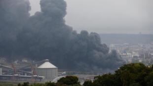 Au total, 9505 tonnes de produits chimiques avaient brûlé dans l'incendie le 26 septembre qui avait provoqué un nuage de fumée noire de 22 km de long.