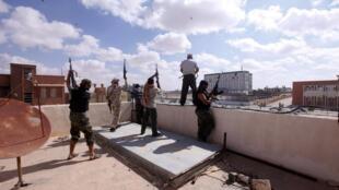 Exército líbio ocupa Bani Walid nesta quarta-feira.
