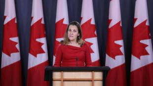 Hôm 21/12/2018, ngoại trưởng Canada Chrystia Freeland yêu cầu Trung Quốc ngay lập tức trả tự do cho hai công dân Canada mà Bắc Kinh đã bắt giữ hôm 10/12.