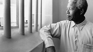 Nelson Mandela dans sa cellule de Robben Island, où il a passé 18 ans.