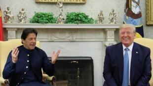 Thủ tướng Pakistan Imran Khan gặp tổng thống Mỹ Donald Trump tại Phòng Bầu Dục, Nhà Trắng ngày 22/07/2019.