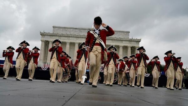 2019年7月4日,美國慶祝獨立日,這是當日在華盛頓林肯紀念堂前舉行的慶祝儀式。