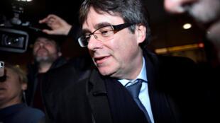 O ex-presidente da Catalunha destituído pelo governo espanhol, Carles Puigdemont, chegou na segunda-feira (22) a Copenhague.