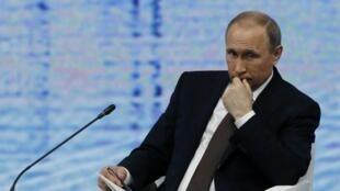 Vladimir Putin disposto a colaborar com a Europa, apesar das sanções.