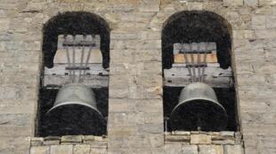 Des cloches dans le Pays basque espagnol.