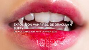 """Cartaz da exposição """"Vampiros, de Drácula à Buffy"""", em cartaz até 19 de janeiro de 2020 na Cinemateca Francesa, em Paris."""