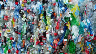 Bouteilles plastiques.