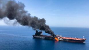 Một tàu dầu tại biển Oman bị tấn công ngày 13/06/2019.