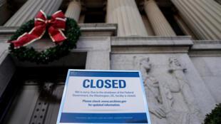 Arquivos Nacionais encerrados.