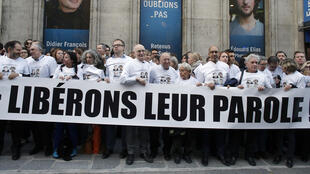 A gathering on 6 March at the Europe 1 radio station, to call for Didier François' and Edouard Élias' liberation.