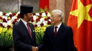 Tổng bí thư Việt Nam Nguyễn Phú Trọng tiếp quốc vương Brunei Hassanal Bolkiah tại Hà Nội ngày 27/03/2019.