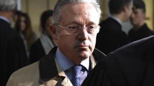 Guy Wildenstein, photographié ici le 4 janvier 2016 au tribunal correctionnel de Paris, est le principal prévenu dans l'affaire de fraude fiscale et de blanchiment.