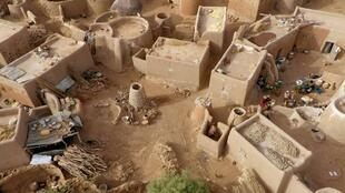 Au sud du Burkina Faso, se trouve Tiébélé, un village où est située la Cour royale des Kasséna, à l'architecture très particulière.