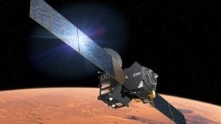Illustration représentant la sonde TGO à l'approche de Mars.