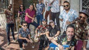 El grupo colombiano La-33 estará de gira por Europa. Primer concierto en Francia el 26 de Junio en el Festival  La Plage du Glazart