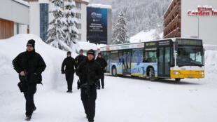 Cảnh sát tuần tra trước khi Diễn Đàn Kinh Tế khai mạc tại Davos, Thụy Sĩ. Ảnh ngày 22/01/2018