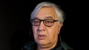 Houshang Asadi, l'auteur du recueil de poésie «Les ponts exilés de Paris», éditions le non-où.
