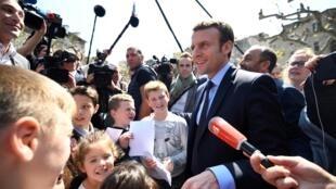 Emmanuel Macron à son arrivée à Vescovato, le 7 avril 2017.