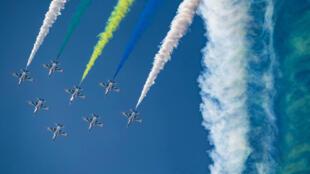 中國空軍紅色獵鷹特技表演2018年11月6日珠海國際航展