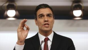 O novo chefe do governo espanhol, Pedro Sánchez, anuncia os membros de seu gabinete em Madri, em 6 de junho de 2018.