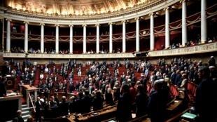 L' Assemblée Nationale examine en séance la réforme des retraites. ce lundi 17 février à l'Assemblée nationale. . PHILIPPE LOPEZ / AFP