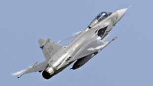 Governo brasileiro confirma compra de 36 caças Gripen, da sueca Saab.