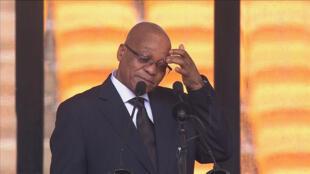 La nouvelle tentative d'assassinat visant le général rwandais Kayumba Nyamwsa aurait provoqué la colère du président Jacob Zuma (ici le 10 décembre2013).