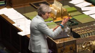 Thủ tướng Anh Theresa May phát biểu trước Nghị Viện ở Luân Đôn ngày 25/03/2019.